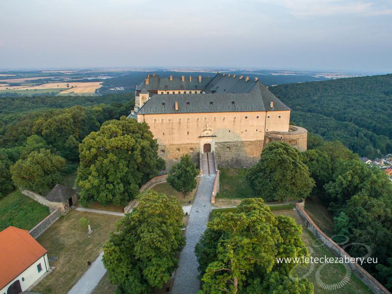hrad červený kameň