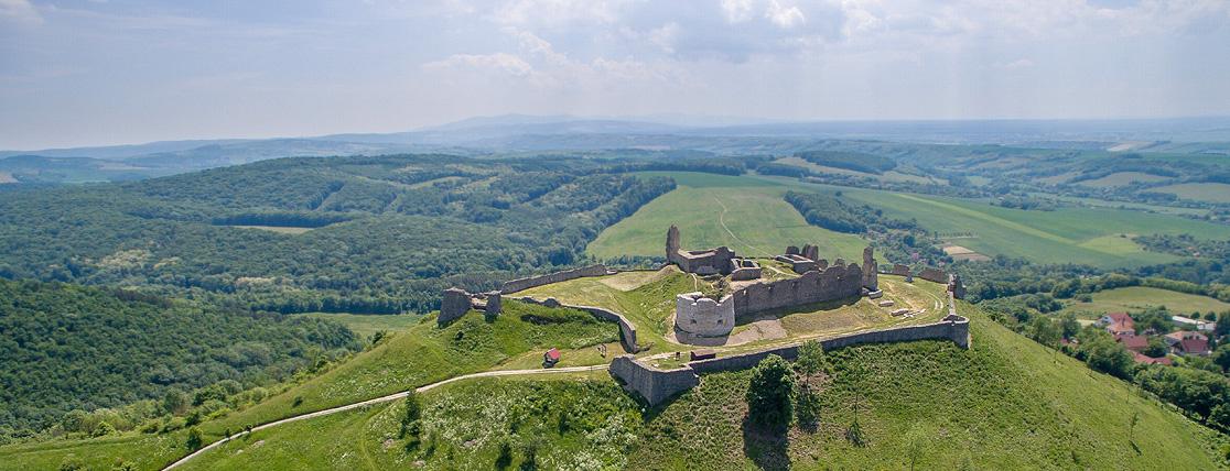 hrad branc z dronu
