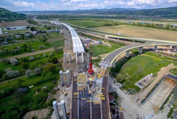 letecká fotografia dialničného mostu