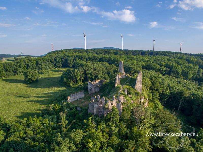 letecké zábery hradu korlátka