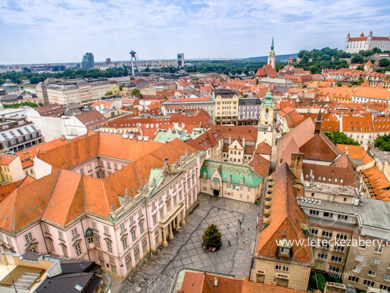 Primaciálny palác Bratislava letecká fotografia