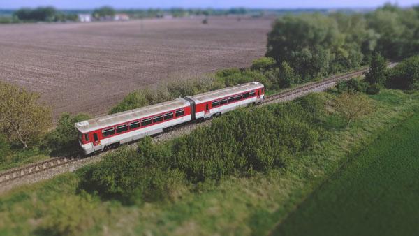 vlak-bageta 813 letecké video